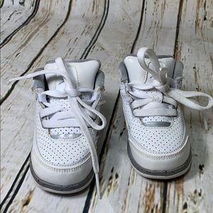 Jordan Child Shoes White Sz. 5C